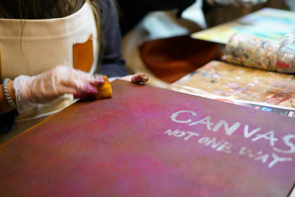 店舗の看板に錆エイジング塗装