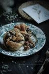 フランスアンティーク皿とデニッシュパン